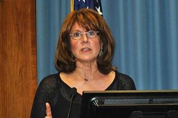 Jane Lappin, senior social scientist at Volpe, discussed traveler behavior at a recent speaker series event.